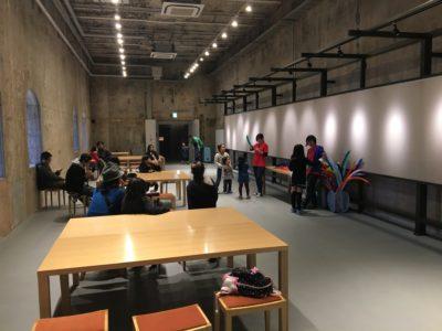 赤レンガ建物内ではブッチボックスによるバルーン教室が行われました。