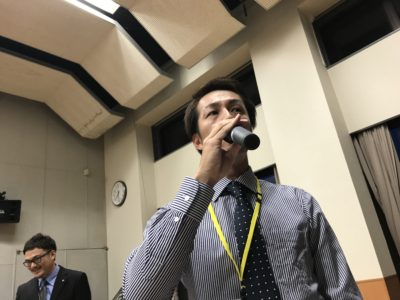 (有)柴田ゴムを例に分析した内容を柴田洋助くんが発表しました。