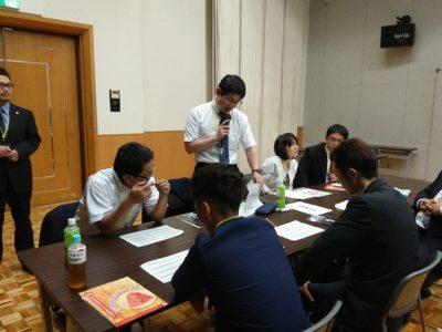 (株)サンウェイ・ジャパンを例に分析した内容を岩本晃英くんが発表しました。