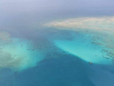 機内からの様子。沖縄はもうすぐ