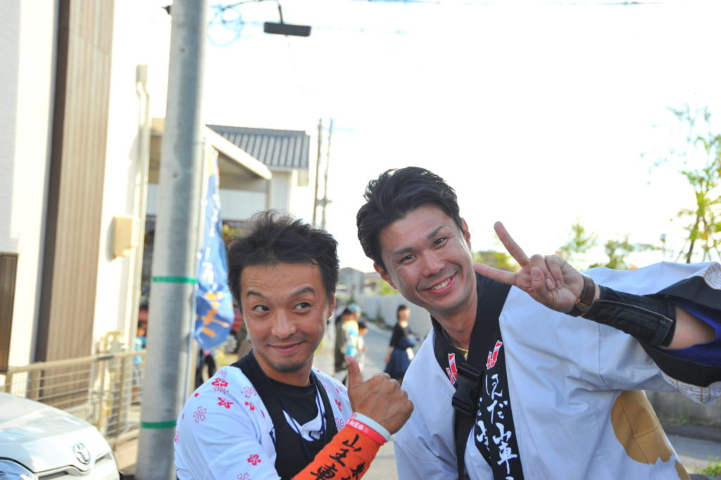前田くんと移動している道で、自組(下半田東組)として参加している山本悠介くんに遭遇!源兵衛橋付近は、悠介くんのまさにホームエリアです。