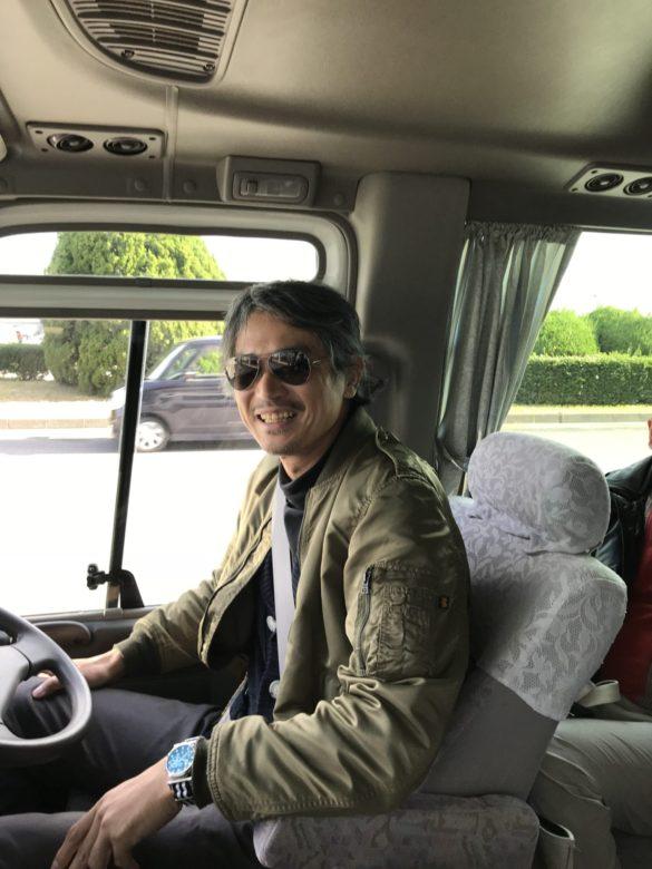 運転手はシャー・アズナブル風の野畑さん!半田から自走で長崎まで来ました…飛行機が恐いらしい…