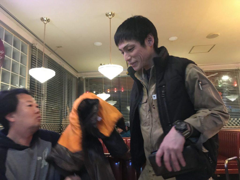 遅れて千葉副委員長登場です。尋常じゃない過密スケジュールで頑張っているようで、顔がまた小さくなりました。